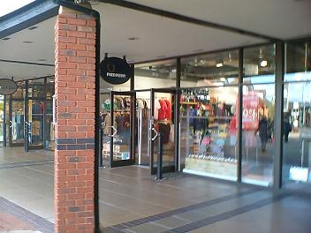 adidas cheshire oaks outlet village