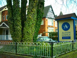 Alton Lodge Click for Web Site www.altonlodge.co.uk. (Roll MOUSE Over to Super Size!)